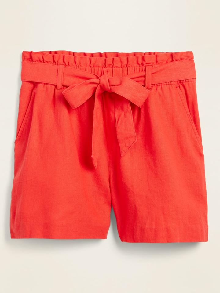 """<p>These <product href=""""https://oldnavy.gap.com/browse/product.do?pid=579910032&amp;cid=10018&amp;pcid=10018&amp;vid=1&amp;grid=pds_280_817_1&amp;cpos=283&amp;cexp=1483&amp;kcid=CategoryIDs%3D10018&amp;ctype=Listing&amp;cpid=res20072211869240366327222#pdp-page-content"""" target=""""_blank"""" class=""""ga-track"""" data-ga-category=""""Related"""" data-ga-label=""""https://oldnavy.gap.com/browse/product.do?pid=579910032&amp;cid=10018&amp;pcid=10018&amp;vid=1&amp;grid=pds_280_817_1&amp;cpos=283&amp;cexp=1483&amp;kcid=CategoryIDs%3D10018&amp;ctype=Listing&amp;cpid=res20072211869240366327222#pdp-page-content"""" data-ga-action=""""In-Line Links"""">High-Waisted Tie-Belt Linen-Blend Shorts</product> ($30) are super comfortable.</p>"""