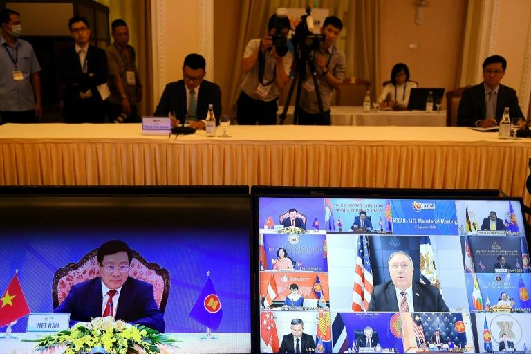 Pompeo urges Southeast Asia to shun South China Sea firms