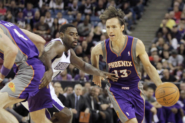 "Steve Nash became an MVP with the up-tempo <a class=""link rapid-noclick-resp"" href=""/nba/teams/pho"" data-ylk=""slk:Phoenix Suns"">Phoenix Suns</a>. (AP)"