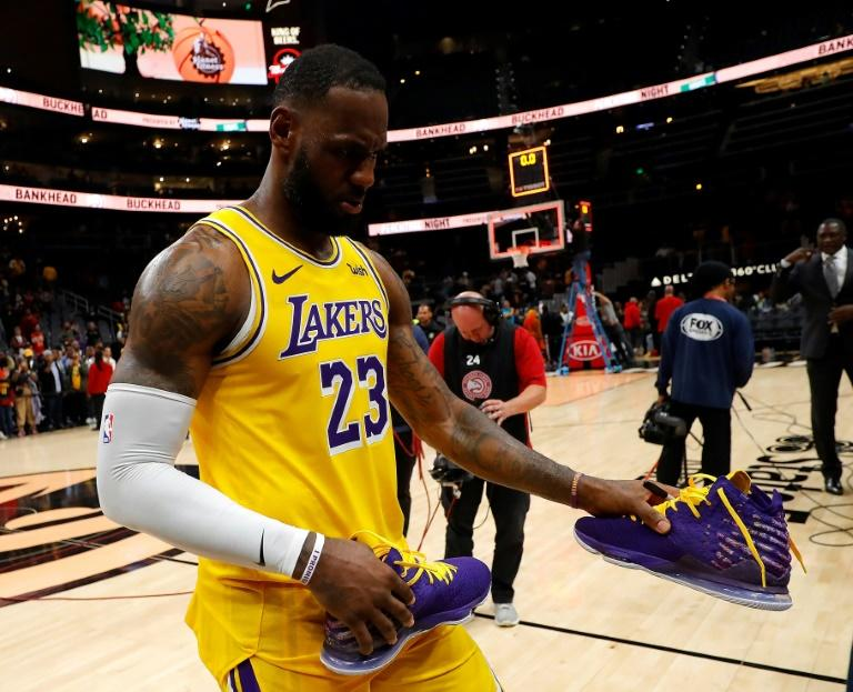 LeBron James' career comes full circle as he passes his childhood hero Kobe Bryant by moving into third place on the NBA's all-time scoring list in Bryant's hometown of Philadelphia