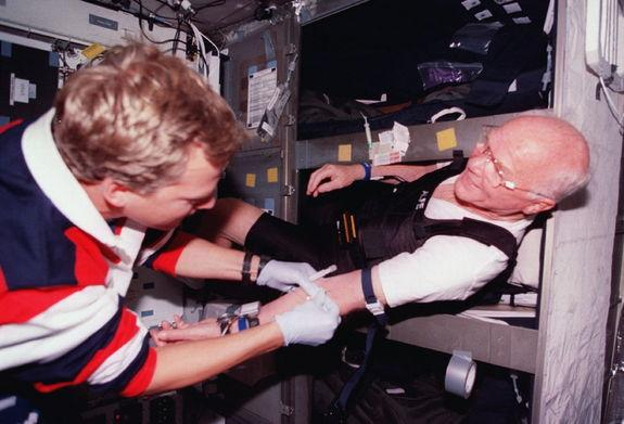 Space Station to Get New Insomnia-Fighting Light Bulbs