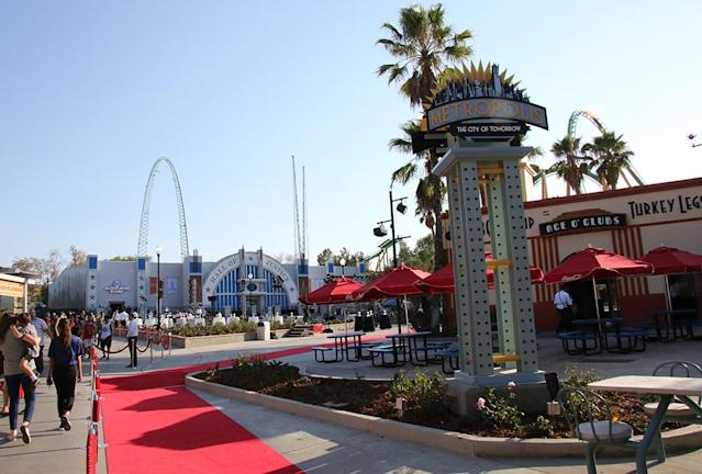'Justice League: Battle for Metropolis' Inside the Epic Grand Opening of Six Flags's Super Ride
