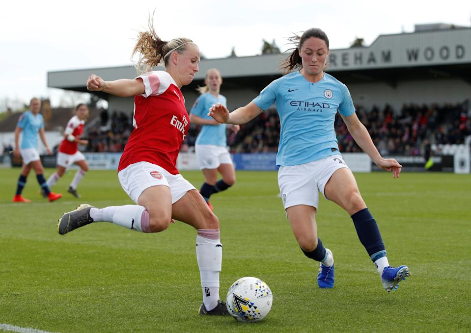 Arsenal's Beth Mead in action with Manchester City's Megan Campbell   Action Images via Reuters/John Sibley