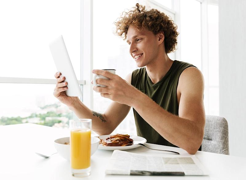 Exactly When to Eat Breakfast to Lose Weight, Say Experts