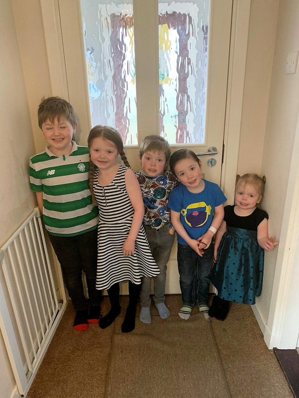 Kayleigh Compston's children Tyler, nine, Tegan, eight, Tommy-Lee, seven, Teejay, five, and Tianna, four.  (Kayleigh Compston/SWNS)