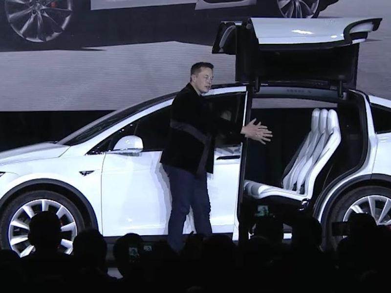 Elon Musk Reveals Details of Tesla V9.0 Software, Including Early Access