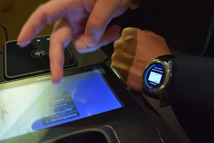 Hands-on--Samsung-Gear-S3-Classic-and-Gear-S3-Frontier_0312
