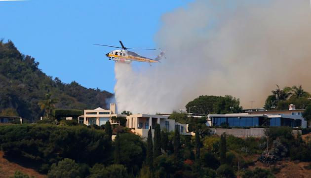 Multimillion-dollar Los Angeles homes saved from wildfire by firefighting crew