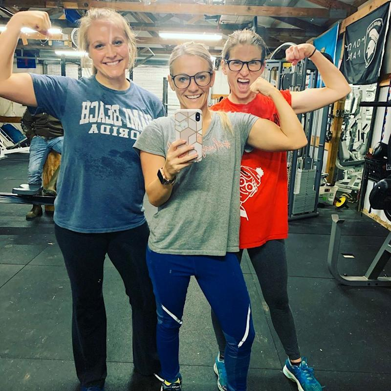 Mackenzie McKee and sisters flaunt their biceps in the gym