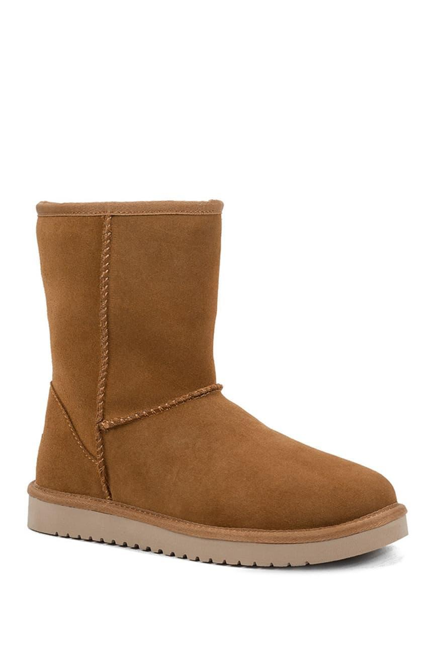 """<h2>Nordstrom Rack</h2><br><strong>Sale:</strong> Ugg markdowns, extra 25% off <a href=""""https://www.nordstromrack.com/promo/best-home-goods-trends"""" rel=""""nofollow noopener"""" target=""""_blank"""" data-ylk=""""slk:home"""" class=""""link rapid-noclick-resp"""">home</a> and <a href=""""https://www.nordstromrack.com/events/427721"""" rel=""""nofollow noopener"""" target=""""_blank"""" data-ylk=""""slk:sweaters"""" class=""""link rapid-noclick-resp"""">sweaters</a><br><strong>Dates:</strong> Now - January 18<br><strong>Promo Code:</strong> None<br><br><em>Shop</em> <a href=""""https://www.nordstromrack.com/"""" rel=""""nofollow noopener"""" target=""""_blank"""" data-ylk=""""slk:Nordstrom Rack"""" class=""""link rapid-noclick-resp""""><strong><em>Nordstrom Rack</em></strong></a><br><br><strong>Koolaburra by Ugg</strong> Classic Short Shearling And Faux Fur Lined Boot, $, available at <a href=""""https://go.skimresources.com/?id=30283X879131&url=https%3A%2F%2Fwww.nordstromrack.com%2Fs%2Fkoolaburra-by-ugg-classic-short-genuine-shearling-faux-fur-lined-boot-wide-width-available%2Fn2309010"""" rel=""""nofollow noopener"""" target=""""_blank"""" data-ylk=""""slk:Nordstrom Rack"""" class=""""link rapid-noclick-resp"""">Nordstrom Rack</a>"""