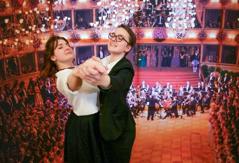 Sophie Grau (R) and her dance partner Iris Klopfer will make history at the Opera Ball