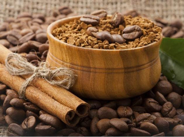 <p><strong>Diet food 2: Cinnamon</strong><br /><br />Cinnamon is a super spice when it comes to boosting your wellbeing as it has many health-giving properties. In terms of weight loss, it's all to do with controlling those post-meal insulin spikes, which is what make you feel hungry. And you don't need to get much of the stuff to get the benefits; studies have shown that just a quarter teaspoon of cinnamon a day can lower the blood sugar, cholesterol, and triglyceride levels. To up your cinnamon intake either sprinkle it on to your breakfast cereal, or maybe mix it into your morning latte.</p>