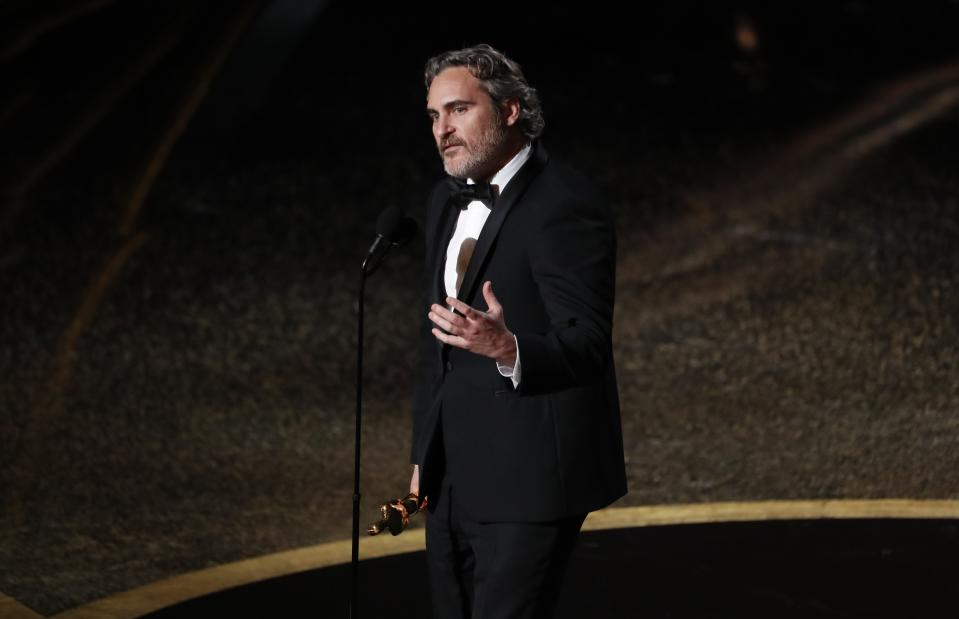 """Joaquin Phoenix wins the Oscar for Best Actor in """"Joker"""" at the 92nd Academy Awards in Hollywood, Los Angeles, California, U.S., February 9, 2020. REUTERS/Mario Anzuoni"""