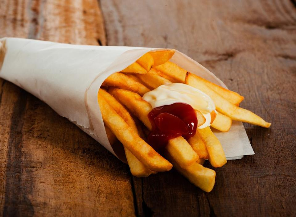 Fries with mayo and ketchup