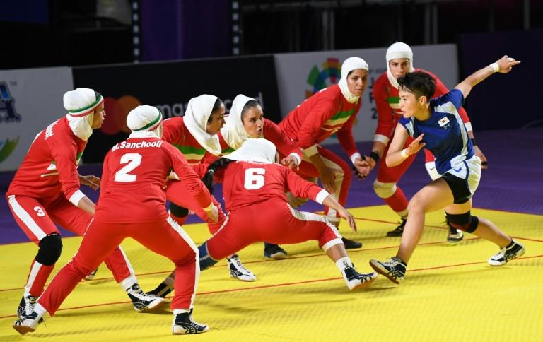 Iran's women underlined their title ambitions by hammering South Korea 46-20