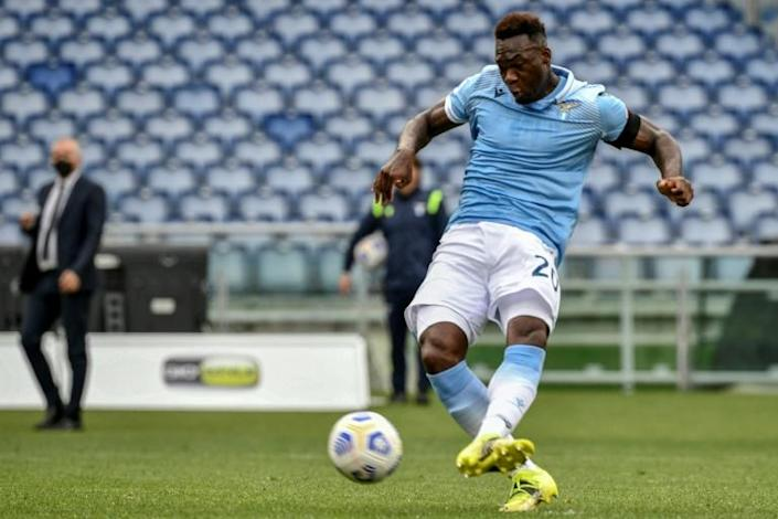 Lazio's Felipe Caicedo got a late winner from the penalty spot.