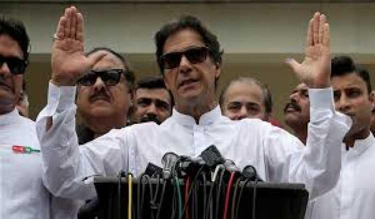 Pakistan PM Imran Khan accuses India of war hysteria over downed F-16 claim