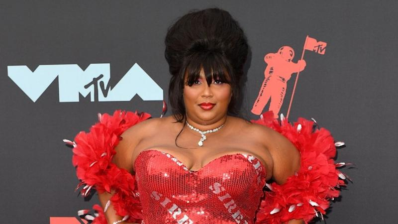 Lizzo's Nude At-Home Photoshoot Is Serving 'Titanic' Realness & We're Extremely Into It