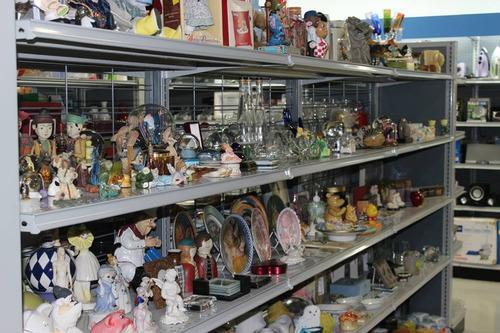 Expert tips on finding treasures at goodwill skip the for A good jewelry store