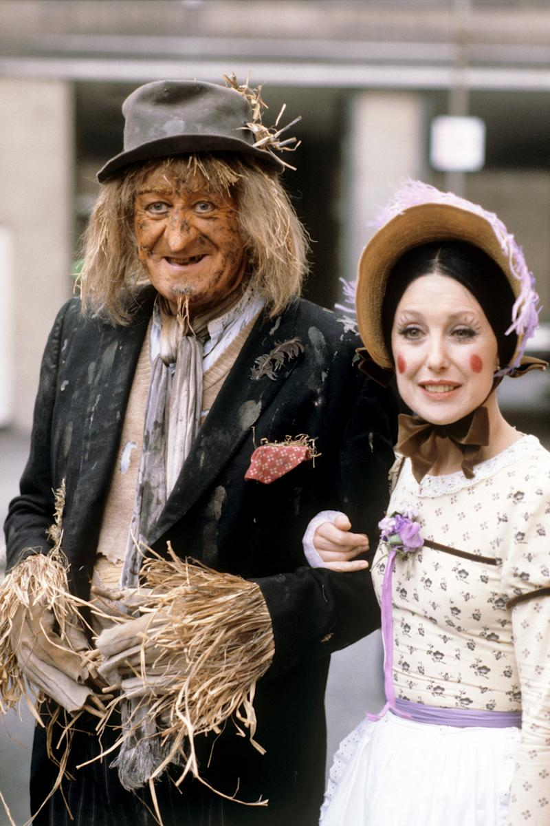 The original Worzel Gummidge (John Pertwee) and Aunt Sally (Una Stubbs). (Photo: PA Images via Getty Images)