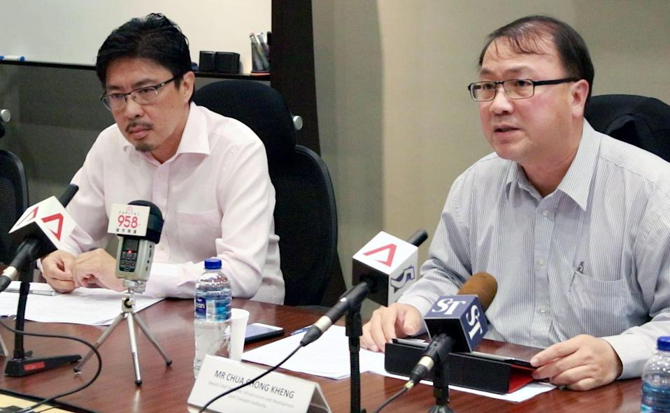 Alvin Kek (left), SMRT Trains' senior vice-president for rail operations (NSEWL) and Chua Chong Keng, LTA's deputy chief executive officer, at Wednesday's (15 November) press conference. (PHOTO: Dhany Osman / Yahoo News Singapore)