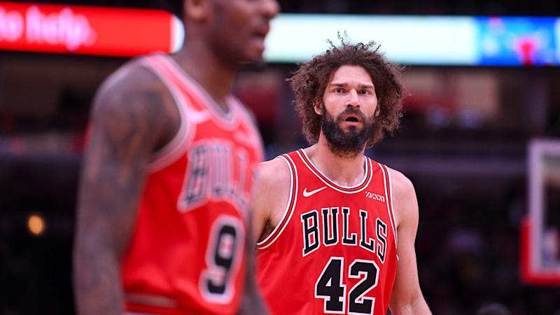 Bucks' Robin Lopez wonders if A's free haircut voucher was a message