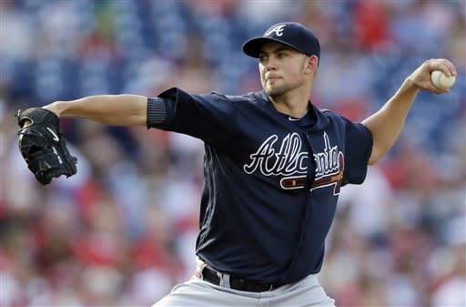 Atlanta Braves' Mike Minor pitches in the second inning of a baseball game against the Philadelphia Phillies, Saturday, Sept. 22, 2012, in Philadelphia. (AP Photo/Matt Slocum)