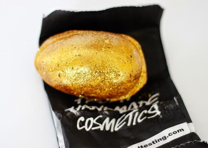 lush gold egg Using Lush Bath Bombs as Highlighter Can Actually Be Dangerous