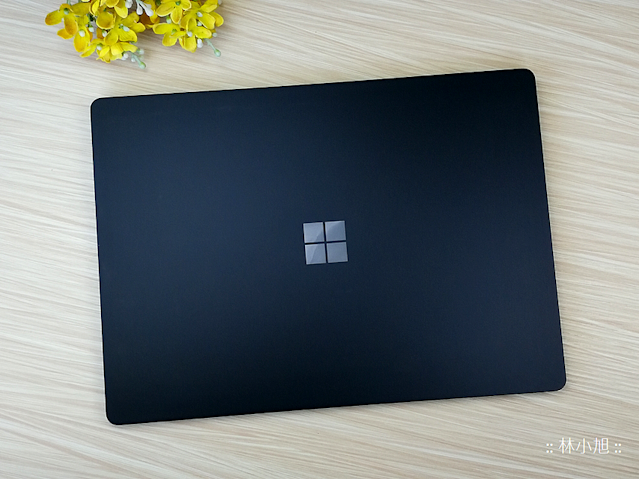 Surface Laptop 2 筆記型電腦開箱 (ifans 林小旭) (1).png