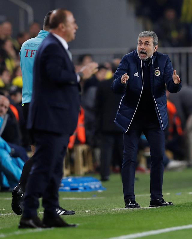 Soccer Football - Turkish Super League - Fenerbahce S.K vs Galatasaray - Sukru Saracoglu Stadium, Istanbul, Turkey - March 17, 2018 Fenerbahce coach Aykut Kocaman reacts REUTERS/Murad Sezer