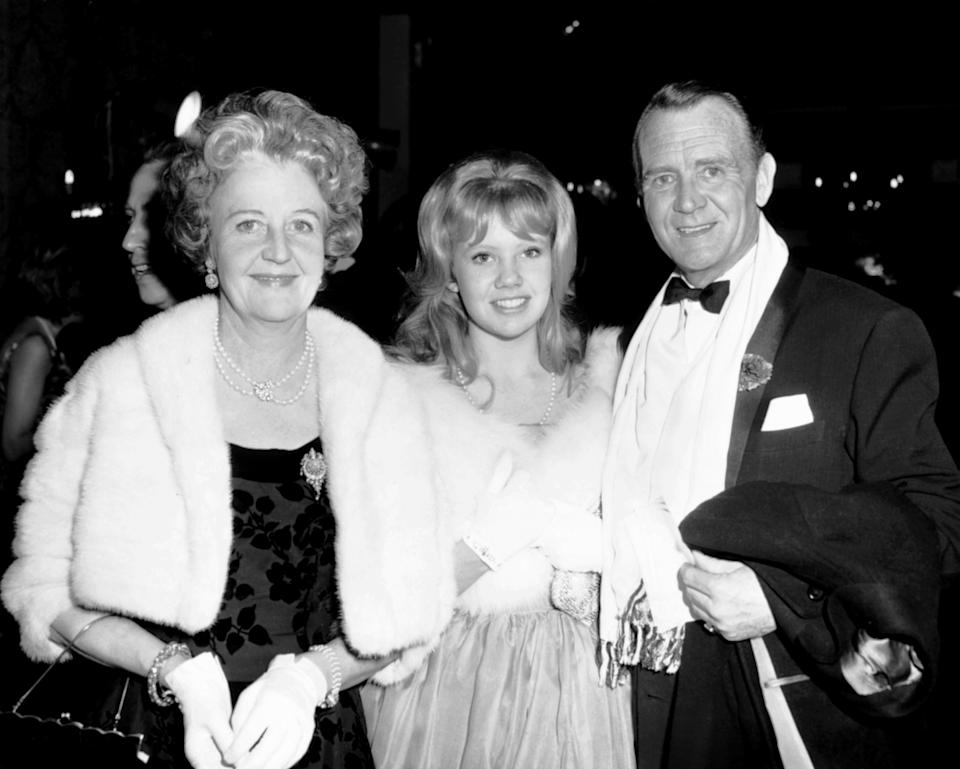 Hayley Mills, center, with her parents, Mary Hayley Bell and John Mills, at the March 1963 premiere of