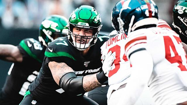 Tom Compton Set to Start on Jets' Bruised but Game O-Line