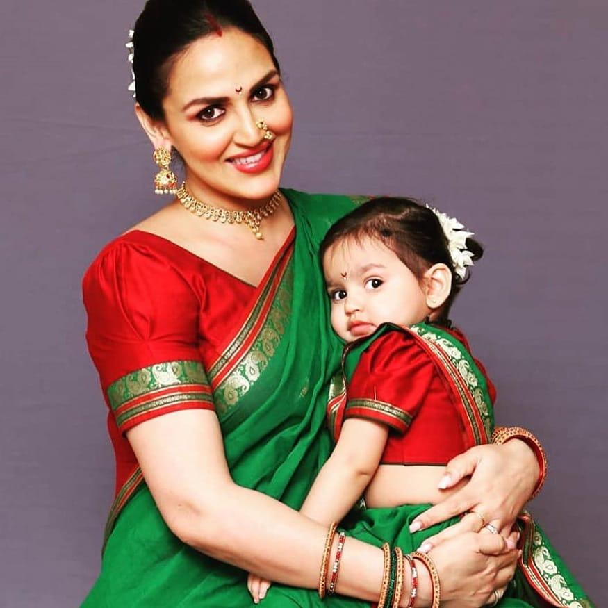 Bollywood actress Esha Deol joined her daughter Radhya Takhtani during the Gudi Padwa celebrations at her play school. They also staged a dance performance on popular Marathi track '<em>Zingaat</em>'. (Image: Instagram)