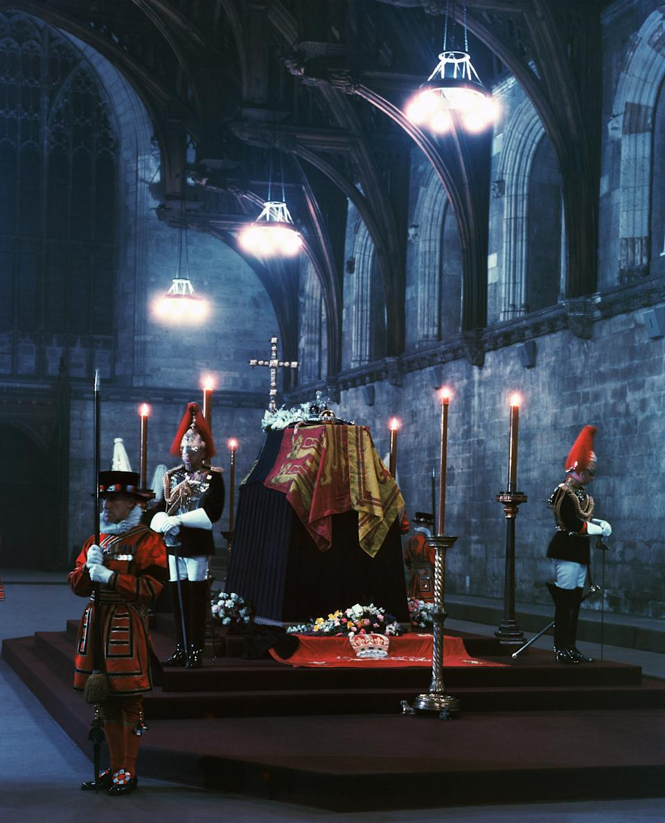 The late King George VI of England lies in state in the chapel at Windsor. (Photo by © Hulton-Deutsch Collection/CORBIS/Corbis via Getty Images)