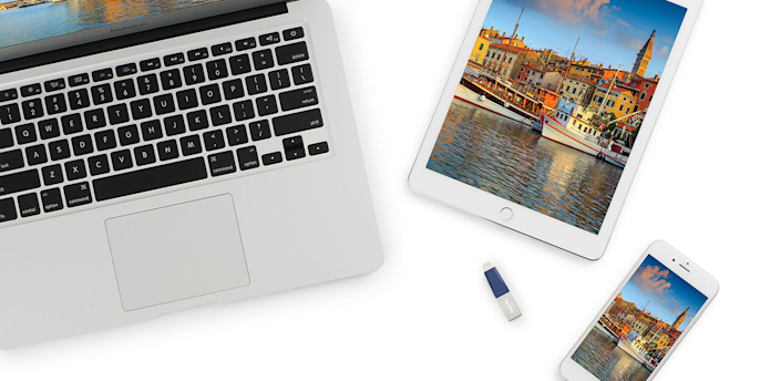 The SanDisk iXpand Mini Flash Drive solution backs up all your iPhone or iPad memories onto a USB thumb drive.