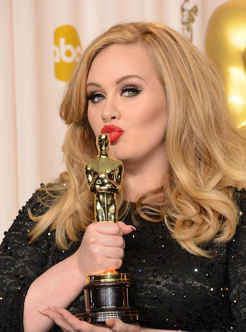 Jennifer Lawrence waited for Adele after the 2013 Oscars (Getty Images)