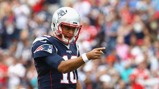 San Francisco gets its future QB, who will have eight games to learn the offense. New England adds a high pick in exchange for an expendable part, given Tom Brady's durability.