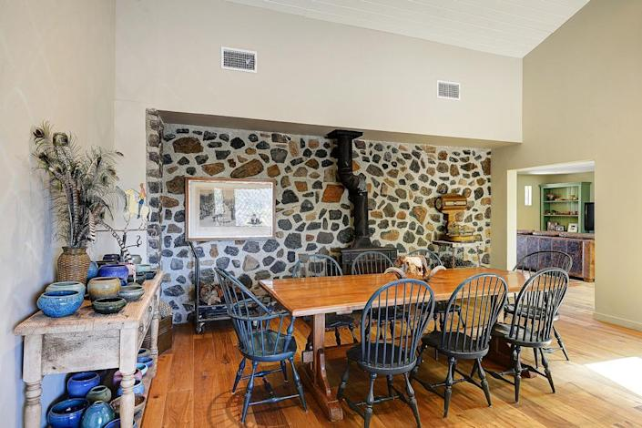 <p>A wood-burning stove adds a touch of tradition.</p><p><i>(Photo: Total Agent)</i></p>
