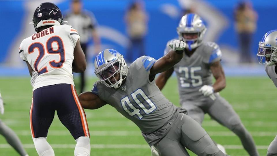 Jarrad Davis makes tackle with Lions