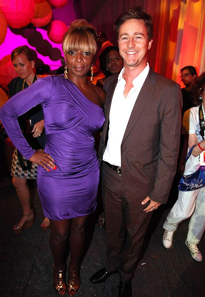 """The proceeds from the soiree went to Rush Philanthropic Arts Foundation, an organization that Russell and his brothers founded in 1995 to provide """"disadvantaged urban youth with significant exposure and access to the arts."""" During the night, do-gooders Mary J. Blige and Edward Norton were recognized for their many contributions to the cause. Johnny Nunez/<a href=""""http://www.wireimage.com"""" target=""""new"""">WireImage.com</a> - July 30, 2011"""