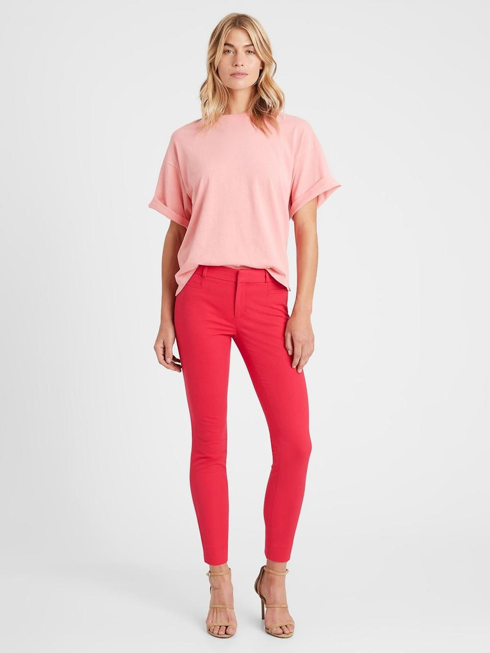 <p>We love the pop of color with these <span>Banana Republic Mid-Rise Skinny Sloan Pant</span> ($53, originally $90)!</p>