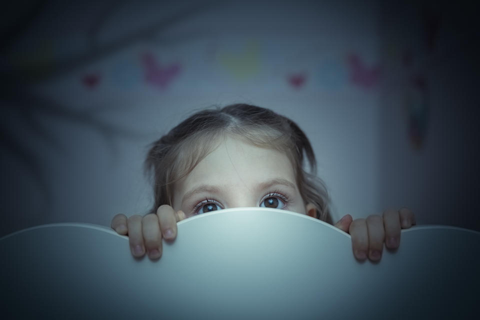 What to do if your child suddenly starts waking up in the middle of the night (Getty)
