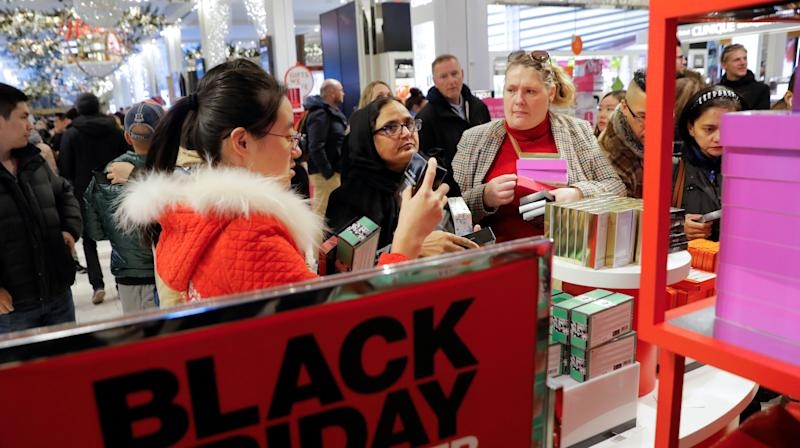 Black Friday Shoppers Report Massive Credit Card System Issues At Macy's (UPDATED)