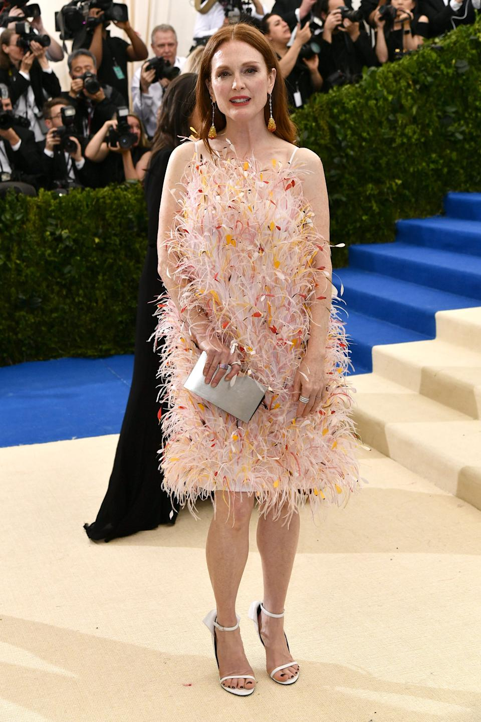 """<h1 class=""""title"""">Julianne Moore in Calvin Klein By Appointment and Chopard jewelry</h1><cite class=""""credit"""">Photo: Shutterstock</cite>"""