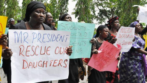HT Nigeria Kidnapped mothers mar 140508 16x9 608 US Officials Arrive in Nigeria to Help With Search for Kidnapped Girls