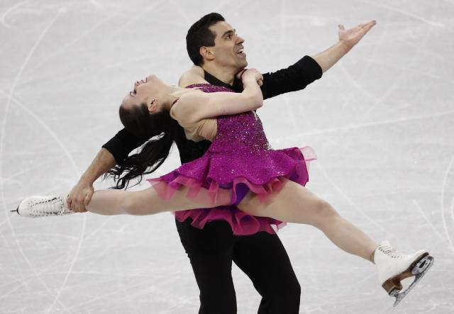 Figure Skating - Pyeongchang 2018 Winter Olympics - Ice Dance short dance competition - Gangneung Ice Arena - Gangneung, South Korea - February 19, 2018 - Anna Cappellini and Luca Lanotte of Italy perform. REUTERS/Damir Sagolj