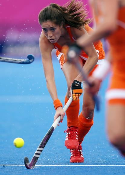 Naomi Van As of Netherlands competes during the Women's Pool WA Match W02 between the Netherlands and Belgium at the Hockey Centre on July 29, 2012 in London, England. (Photo by Daniel Berehulak/Getty Images)