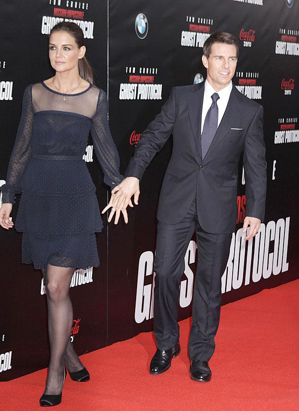 Tom Cruise & Katie Holmes Are Divorcing — It's Official