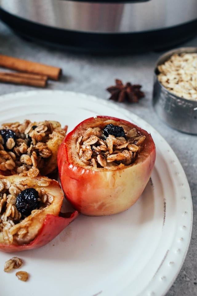 """<p>This Fall-inspired dessert comes together in just 15 minutes, including prep. The smell of oats and apples baking away in your home is a huge bonus.</p> <p><strong>Get the recipe:</strong> <a href=""""http://wallflowerkitchen.com/pressure-cooked-baked-apples-vegan-gf/"""" target=""""_blank"""" class=""""ga-track"""" data-ga-category=""""Related"""" data-ga-label=""""http://wallflowerkitchen.com/pressure-cooked-baked-apples-vegan-gf/"""" data-ga-action=""""In-Line Links"""">pressure cooked """"baked"""" apples</a></p>"""