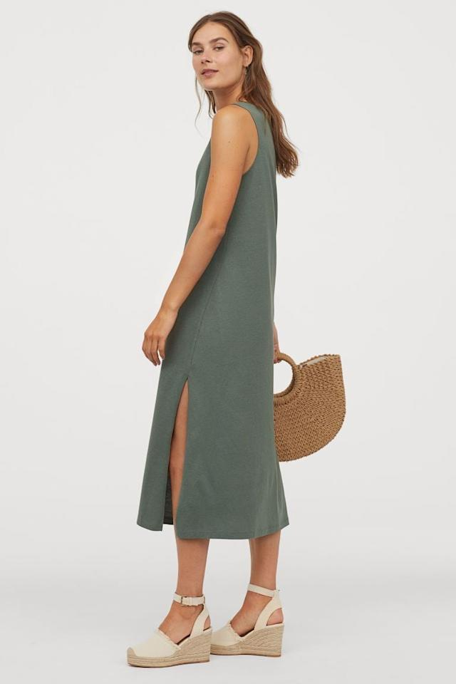 "<p>You can't go wrong owning this stretchy <a href=""https://www.popsugar.com/buy/HampM-Tank-Top-Dress-580683?p_name=H%26amp%3BM%20Tank-Top%20Dress&retailer=www2.hm.com&pid=580683&price=15&evar1=fab%3Aus&evar9=32575303&evar98=https%3A%2F%2Fwww.popsugar.com%2Ffashion%2Fphoto-gallery%2F32575303%2Fimage%2F47539377%2FHM-Tank-Top-Dress&list1=shopping%2Cfashion%20shopping%2Ccomfortable%20clothes&prop13=api&pdata=1"" rel=""nofollow"" data-shoppable-link=""1"" target=""_blank"" class=""ga-track"" data-ga-category=""Related"" data-ga-label=""https://www2.hm.com/en_us/productpage.0767799004.html"" data-ga-action=""In-Line Links"">H&amp;M Tank-Top Dress</a> ($15).</p>"